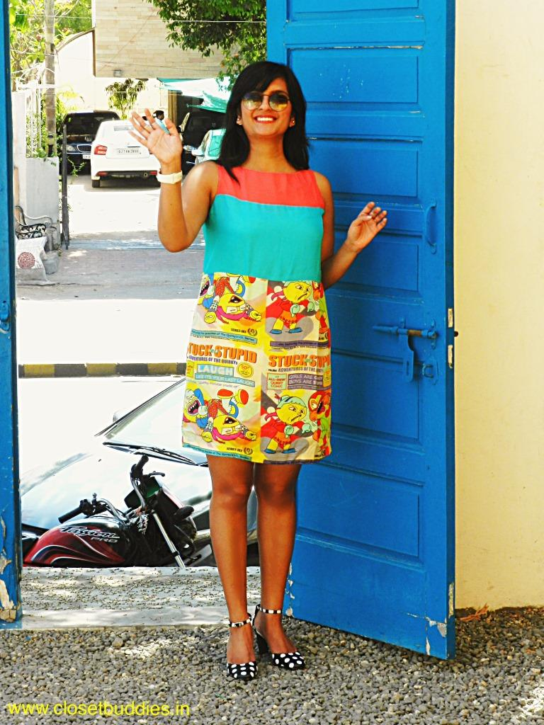 """Hi there! (Don't you just love the blue door...reminds me of the """"blue french horn"""")"""