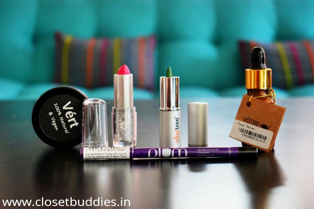 Kajal: c/o Plum Cosmetics Blush: c/o Vert Cosmetics  Lipstick: Organick Green Liner: c/o Soultree Face Serum : c/o Votre Cosmeceuticals