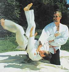 Jujitsu throw