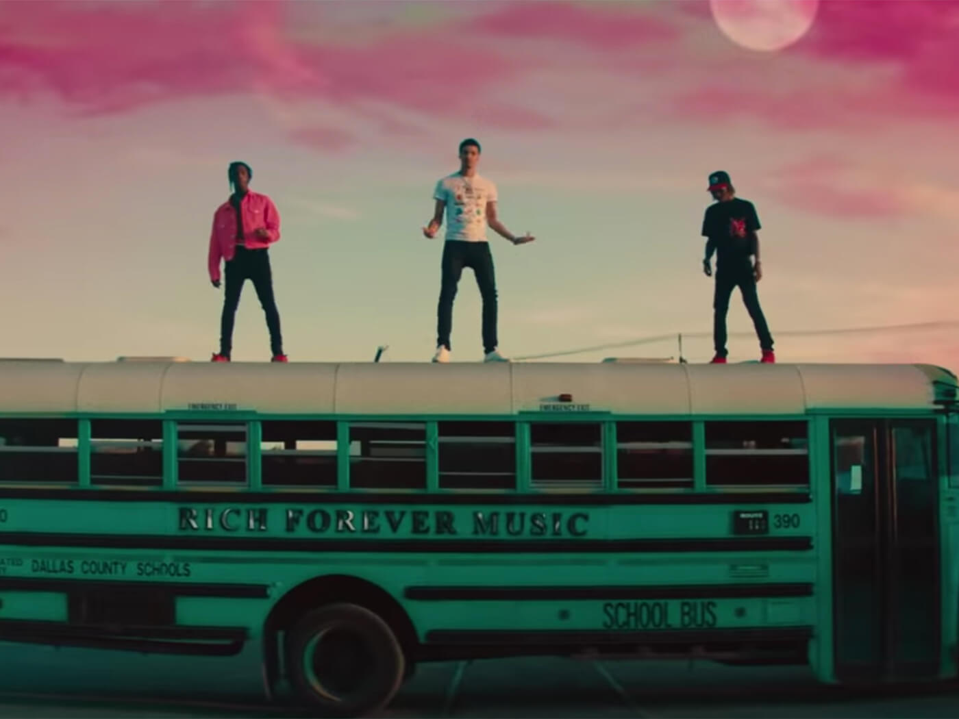 """Rich The Kid, Jay Critch & Famous Dex – """"Party Bus"""" (Video)"""