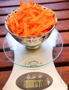 The carrot apple muffins need fresh carrots - Jules HappyHealthyLife