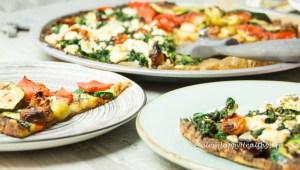 Pizza mit glutenmfreien Blumenkohlboden - Jules HappyHealthyLife glutenfreier Food Blog