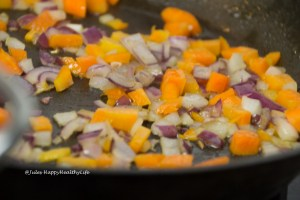 Onions for Tomato, Olive, Artichoke pasta sauce