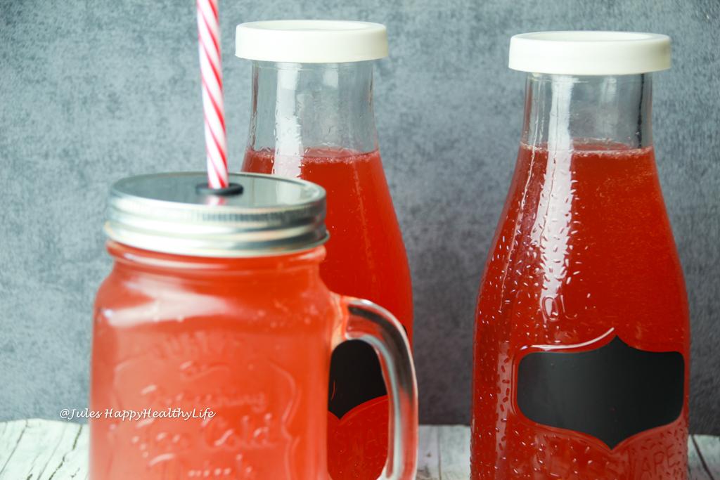 Gesunder Ingwer Wasser Kefir mit Probiotika erinnert an Ginger Ale