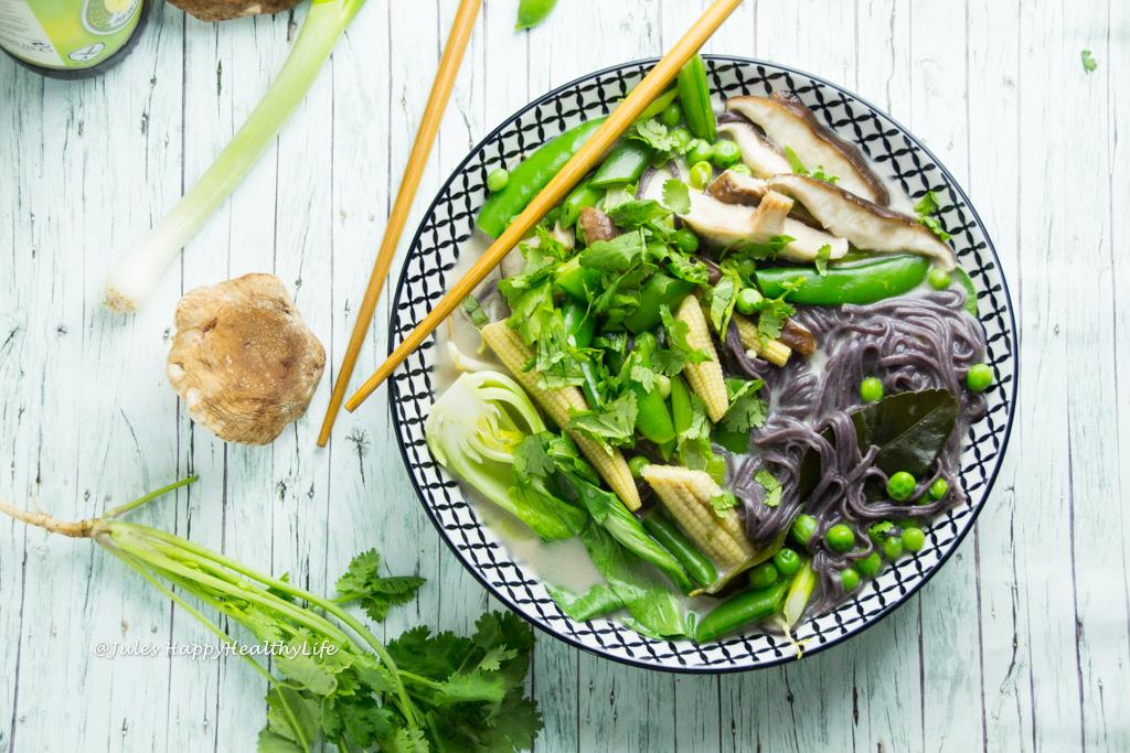 glutenfreies Tom Kha Gai Kokosnusssuppe