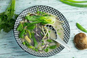 Healthy benefits of Tom Kha Gai with galangal root