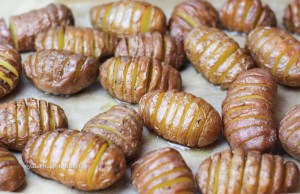 Without cheese these Cheesy Hasselback Potatoes also work for vegans.