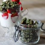 Rezept für glutenfreies, veganes, rohes Matcha Granola mit Buchweizen