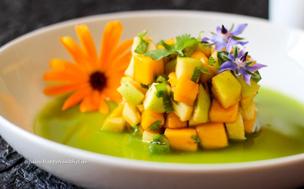 Leichtes veganes Sommergericht Mango Grüner Apfel Tatar mit Fenchel Sud