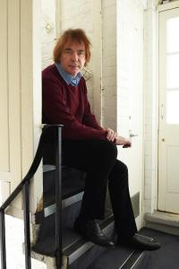 Julian Lloyd Webber (photo by John Millar)