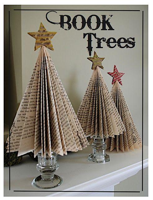Árboles pequeños de Navidad de papel