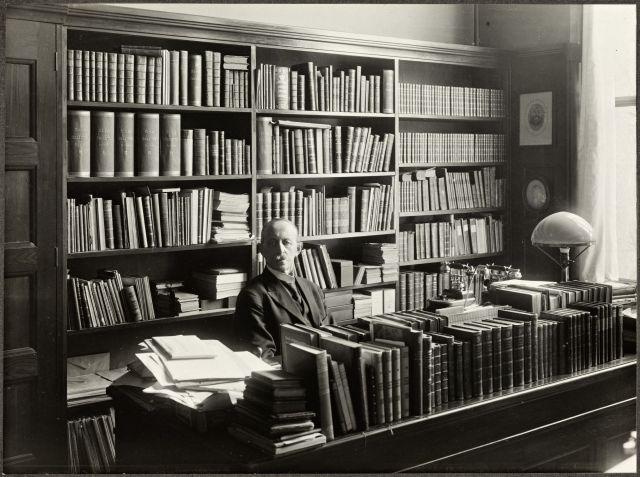 18. Primer bibliotecario y jefe del departamento de la Biblioteca de la Universidad de Oslo
