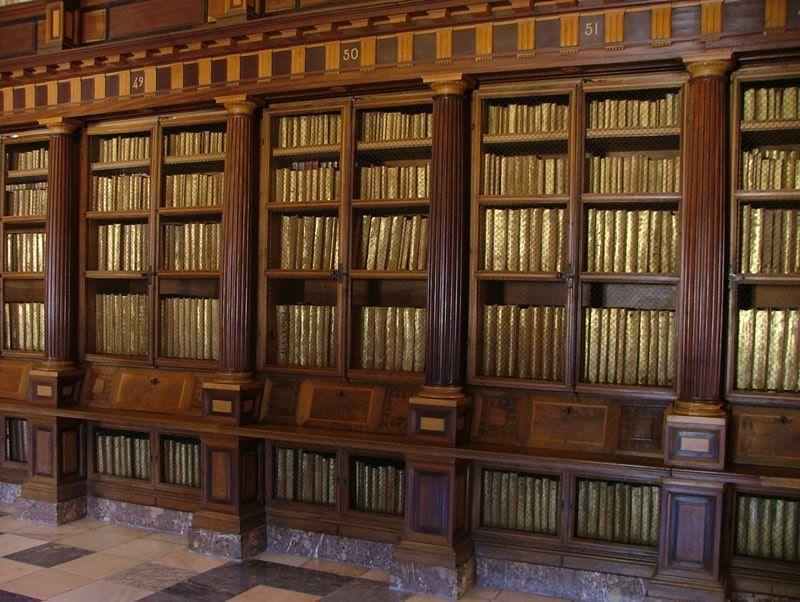 Disposición de la colección en la Real Biblioteca del Monasterio de San Lorenzo de El Escorial