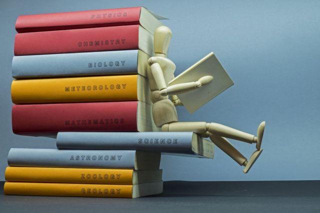 El reto del maniquí también llega a las bibliotecas… Quién se anima