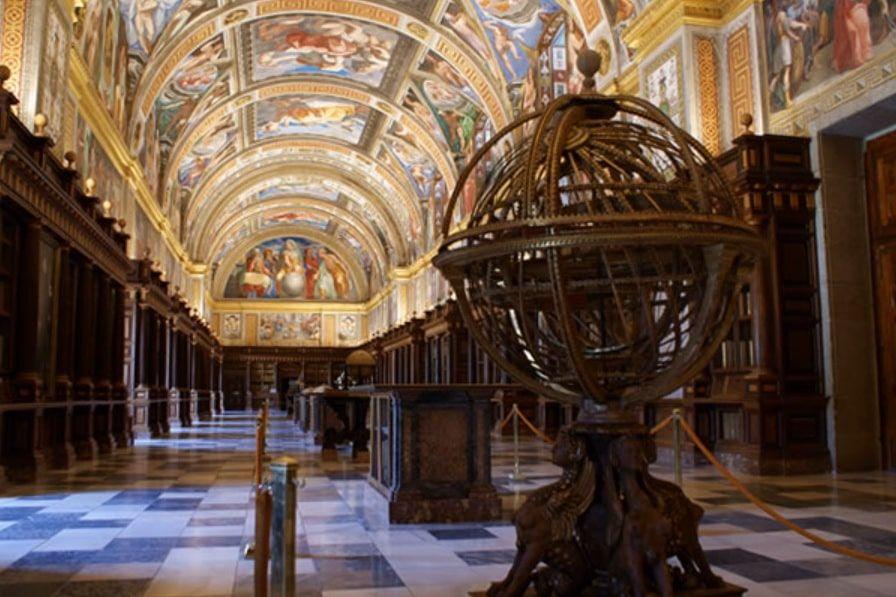 Esfera armilar en la Real Biblioteca del Monasterio de San Lorenzo de El Escorial