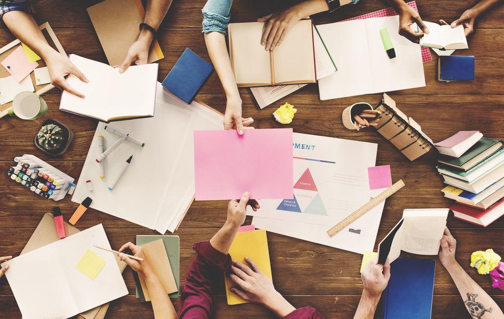 La biblioteca es una red social de personas conectadas entre sí y el contenido