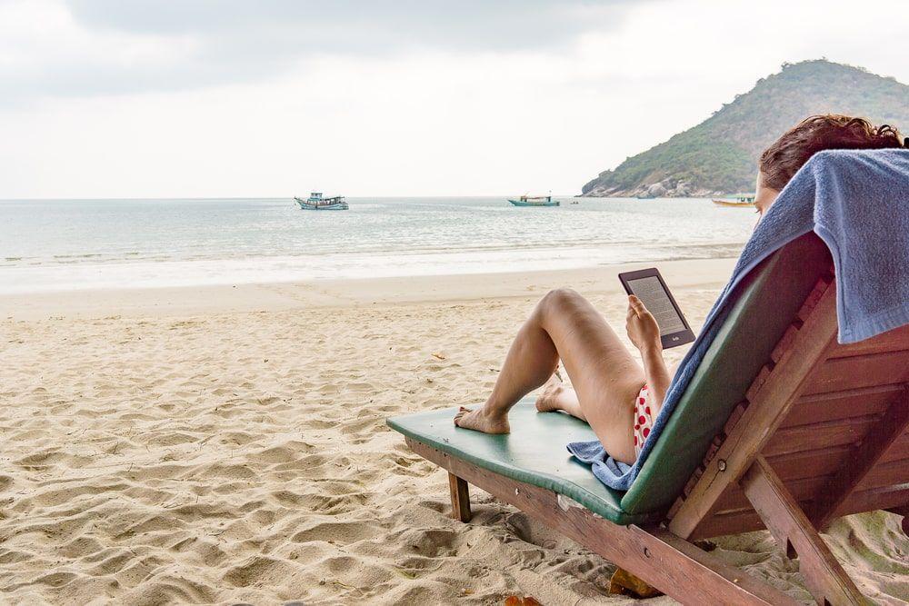 Leer un libro mientras se disfruta de un buen baño no tiene precio