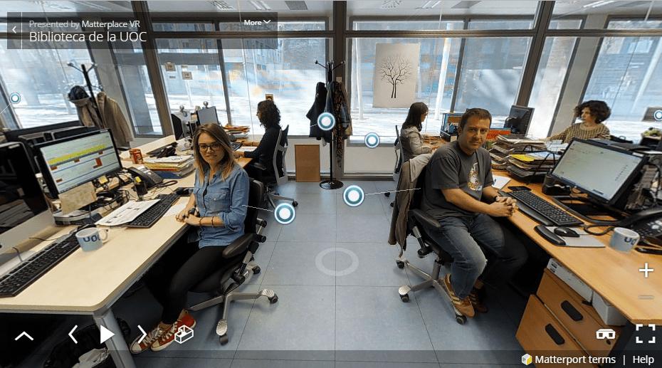 Personal Biblioteca UOC en realidad virtual2