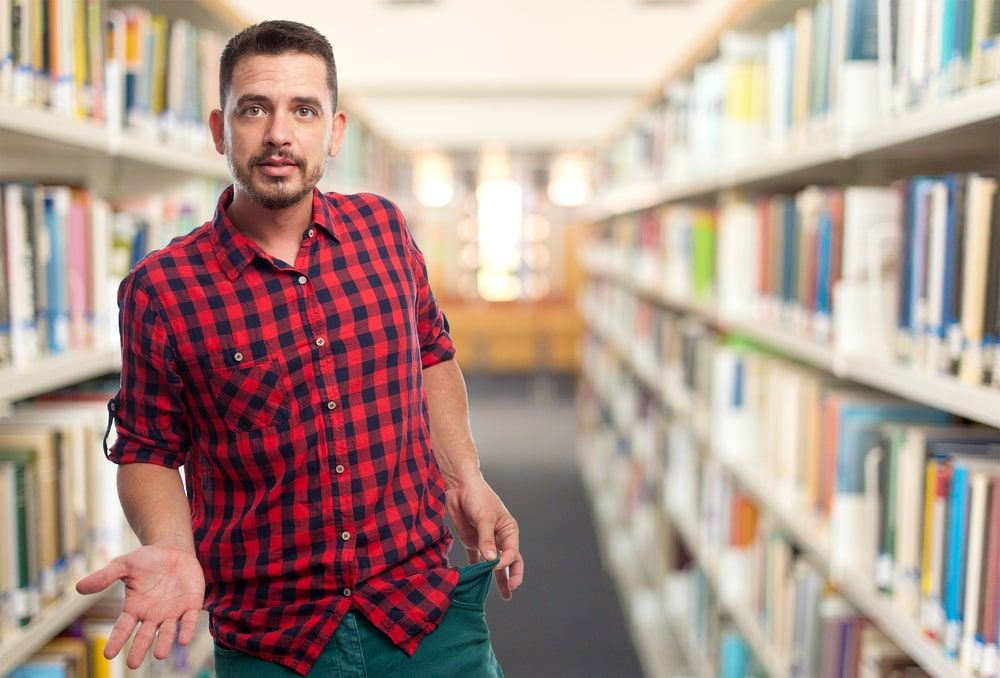 El sueldo medio de un archivero o de un bibliotecario en España ronda los 20.000 euros anuales