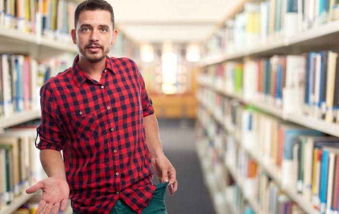 Por qué los profesionales de Archivos y Bibliotecas no están valorados económicamente como se merecen