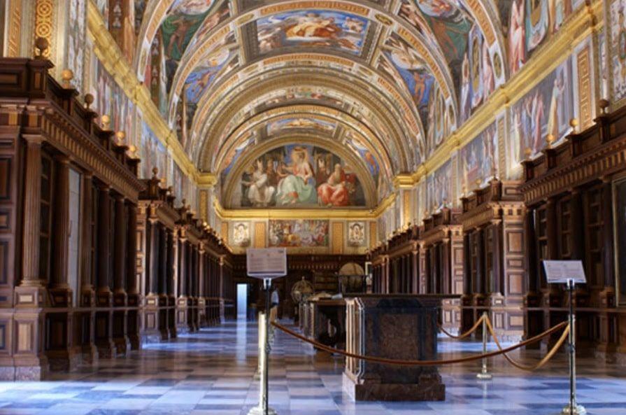 Salón Principal Real Biblioteca del Monasterio de San Lorenzo de El Escorial 2
