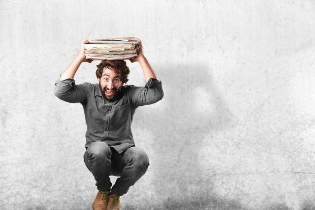 Una manía recurrente de los bibliotecarios_as es oler los libros nuevos