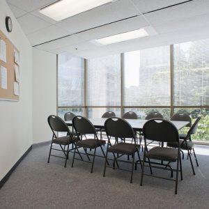 藝緹溫哥華語言學院教室內部