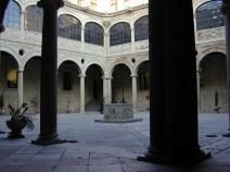 LEÓN. Claustro del Palacio de los Guzmanes