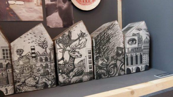 Maison usine en céramique illustrée - Maison et objet 2016/09