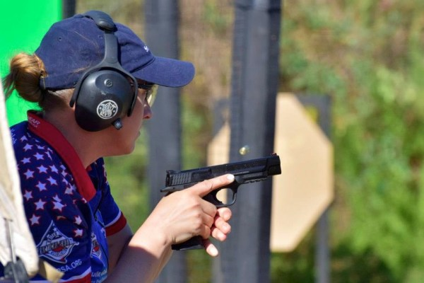 Julie_Golob_2014_World_Shoot 2