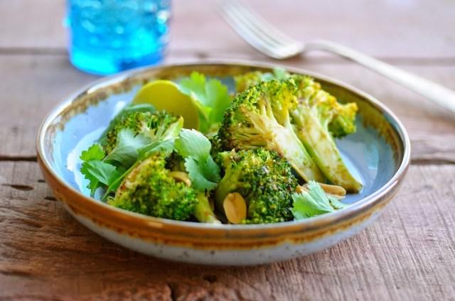 lynstegt broccoli med koriander