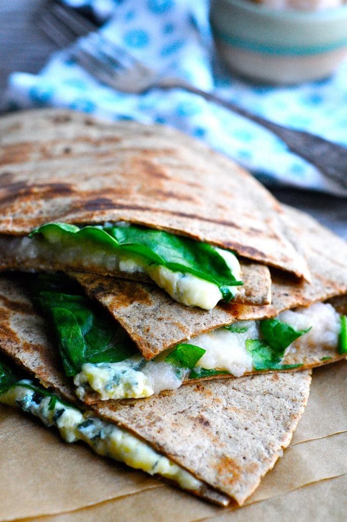 Tortilla med blå ost og æblekompot| www.juliekarla.dk