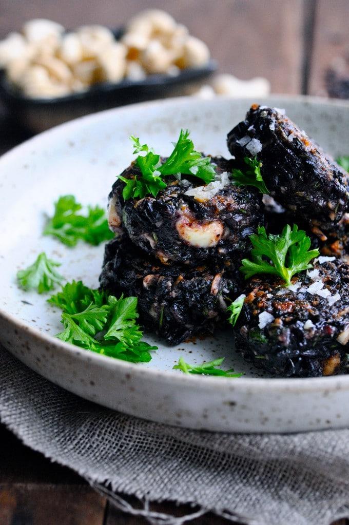 risfrikadeller med sorte ris | www.juliekarla.dk