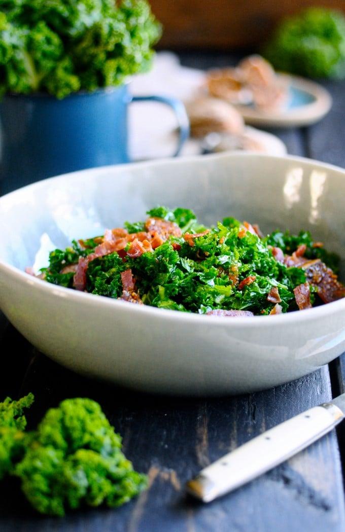 Salat med grønkål og bacon   www.juliekarla.dk