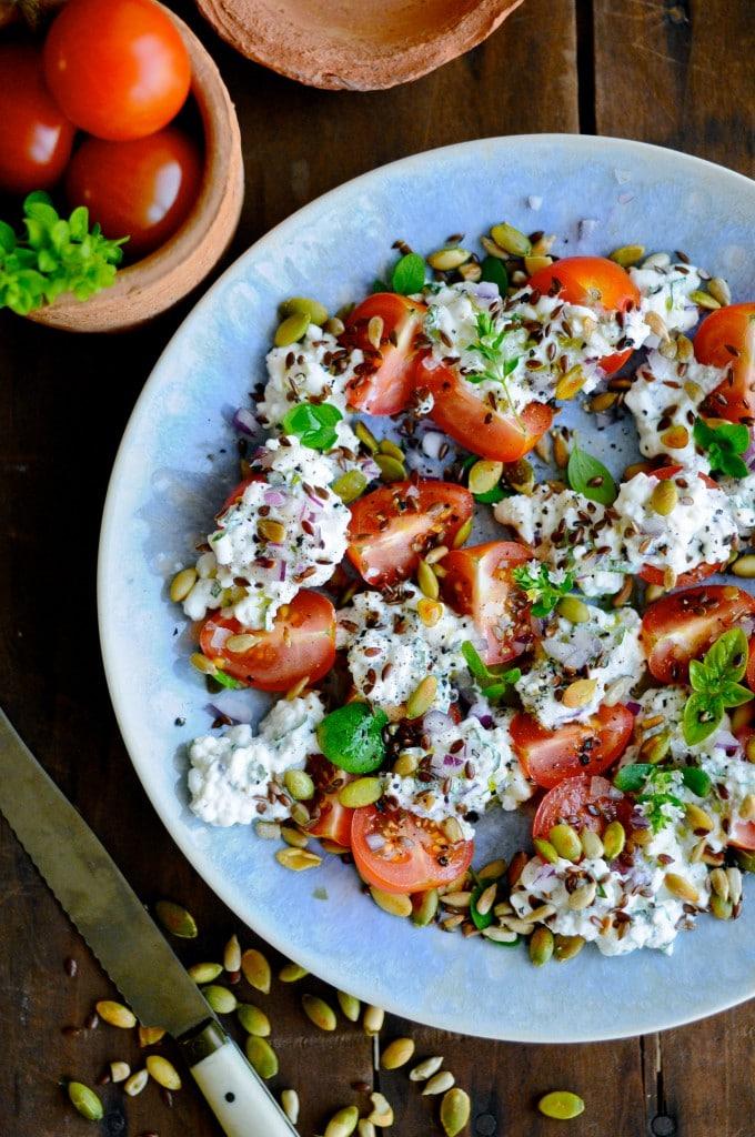 Sund tomatsalat opskrift | www.juliekarla.dk
