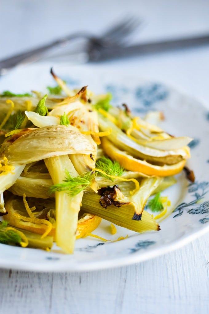bagt fennikel med olivenolie og citron