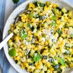 stegt squash salat med majs