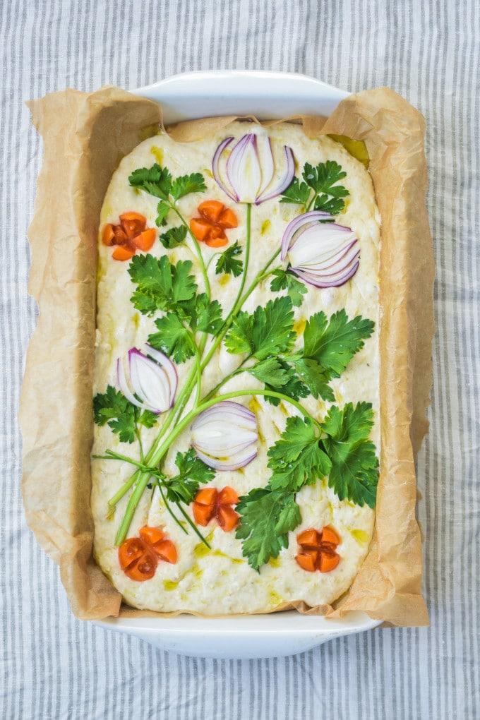 blomstermotiv på Foccacia brød opskrift