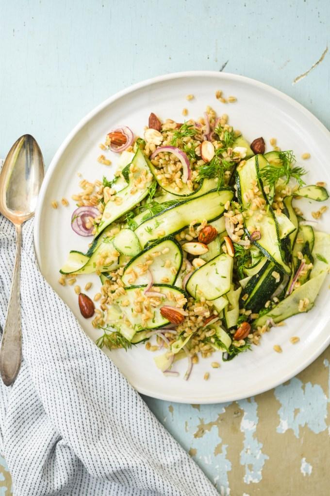 Salat med squash til mange