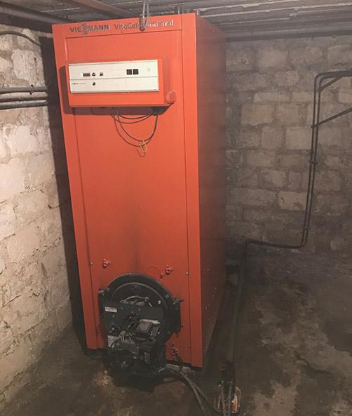 Ancienne chaudière au fioul. Bien souvent le rendement est relativement faible et l'installation ne permet pas de faire des économies d'énergie.