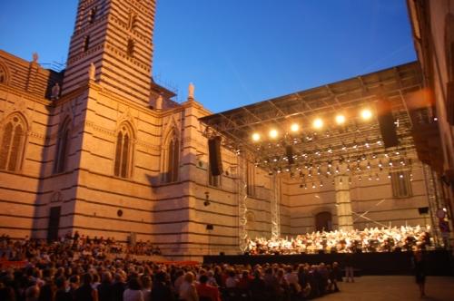 La 9e symphonie de Beethoven, en plein air, à coté du Duomo de Sienne