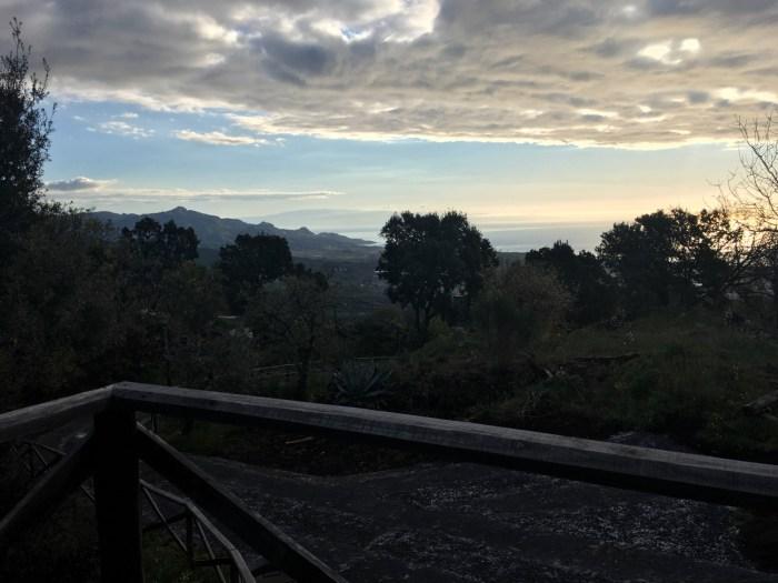 Lever de soleil sur le flanc est de l'Etna