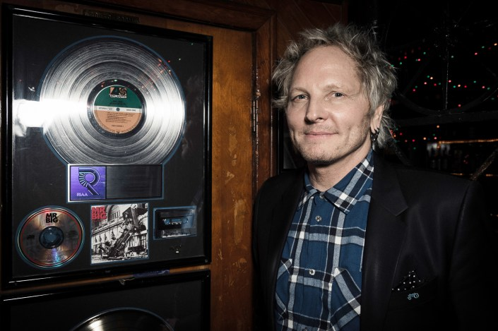 Matt Sorum - Rainbow by Julien ZANNONI
