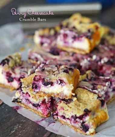 Berry Cheesecake Crumble Bars