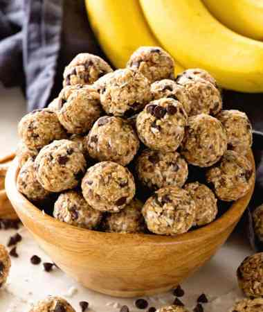 No Bake Chocolate Banana Energy Balls Recipe
