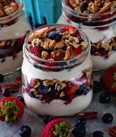 Berry Yogurt Breakfast Parfait + VIDEO