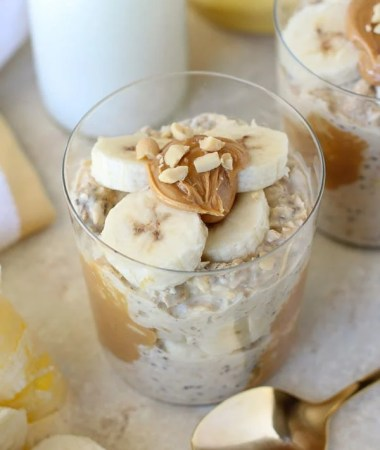 Peanut Butter Banana Overnight Oats + VIDEO