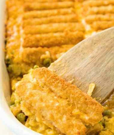 Cheesy Fish Stick Hash Brown Casserole ~ Your Favorite Hash Brown Casserole Topped with Crunch Fish Sticks to Make it a Main Dish Casserole!