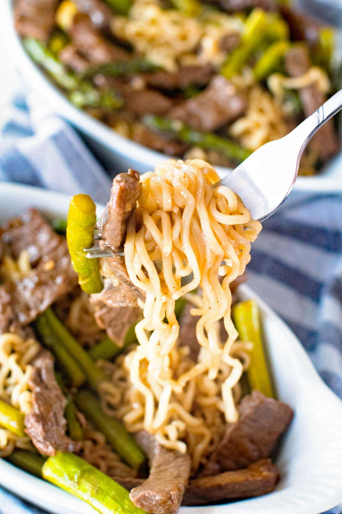 Beef lo mein with asparagus julies eats treats forumfinder Image collections