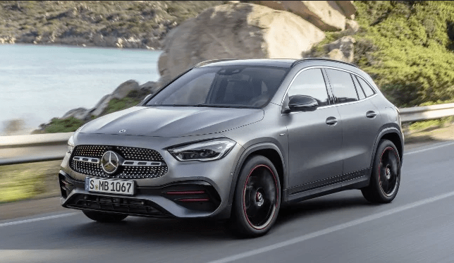 Mercedes-Benz Presents la nuova GLA. Il video premiere mondiale